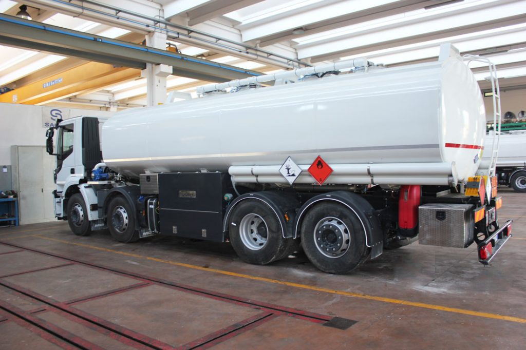 Cisterna Sacim su 4 assi capacità 26450 lt