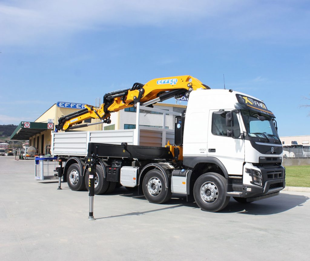 Gru idraulica su camion FMX VOLVO