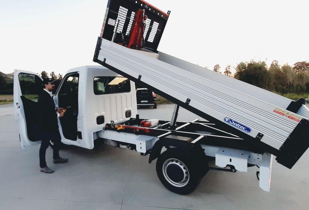 Renault master con mini gru 200 kg